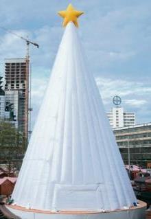 berlin ged chtniskirche plastik weihnachtsbaum sorgt. Black Bedroom Furniture Sets. Home Design Ideas
